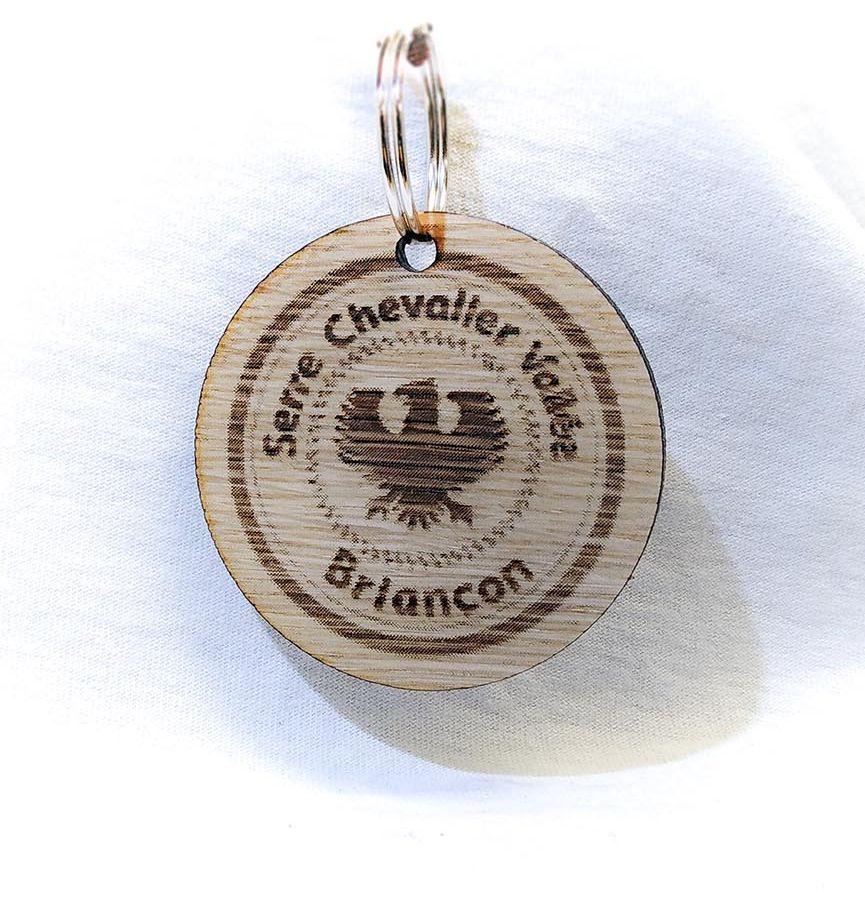 """Porte-clé personnalisé plastique bois """"Serre-Chevalier Vallée Briançon"""""""