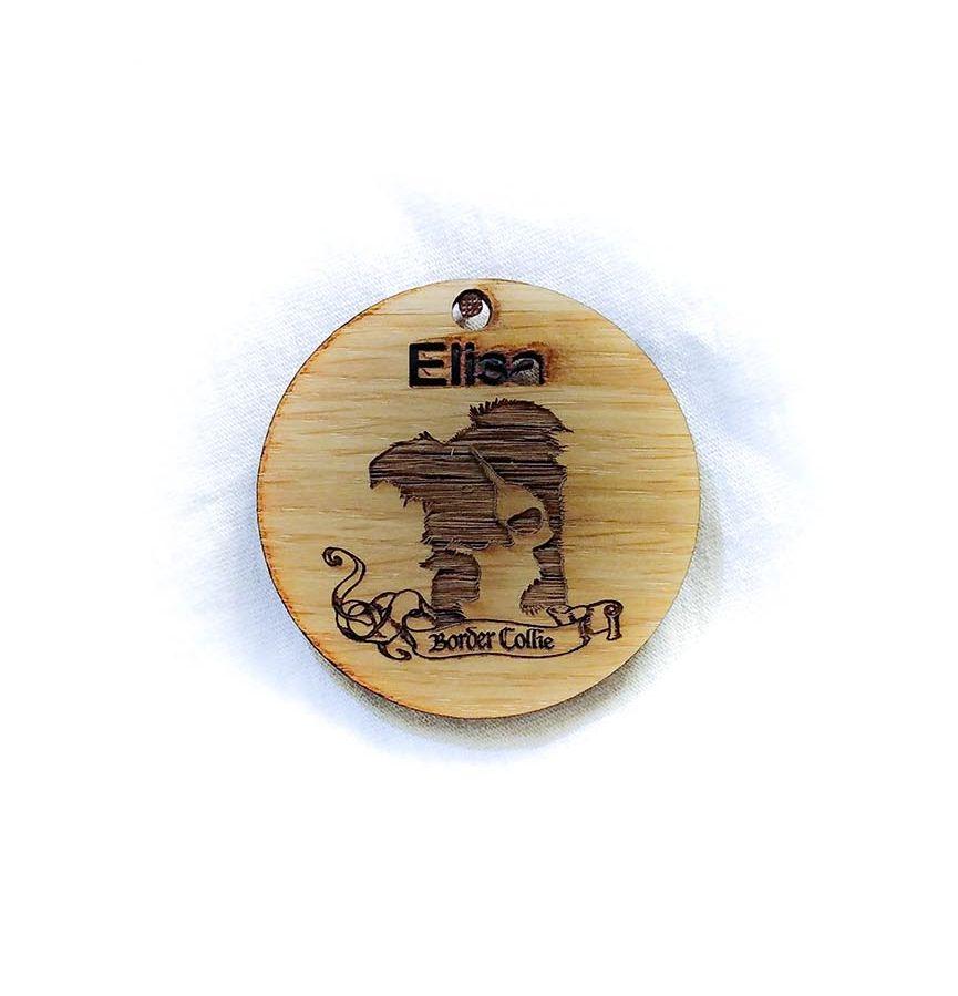 Création gravure porte-clé sur bois de Elisa, un chien