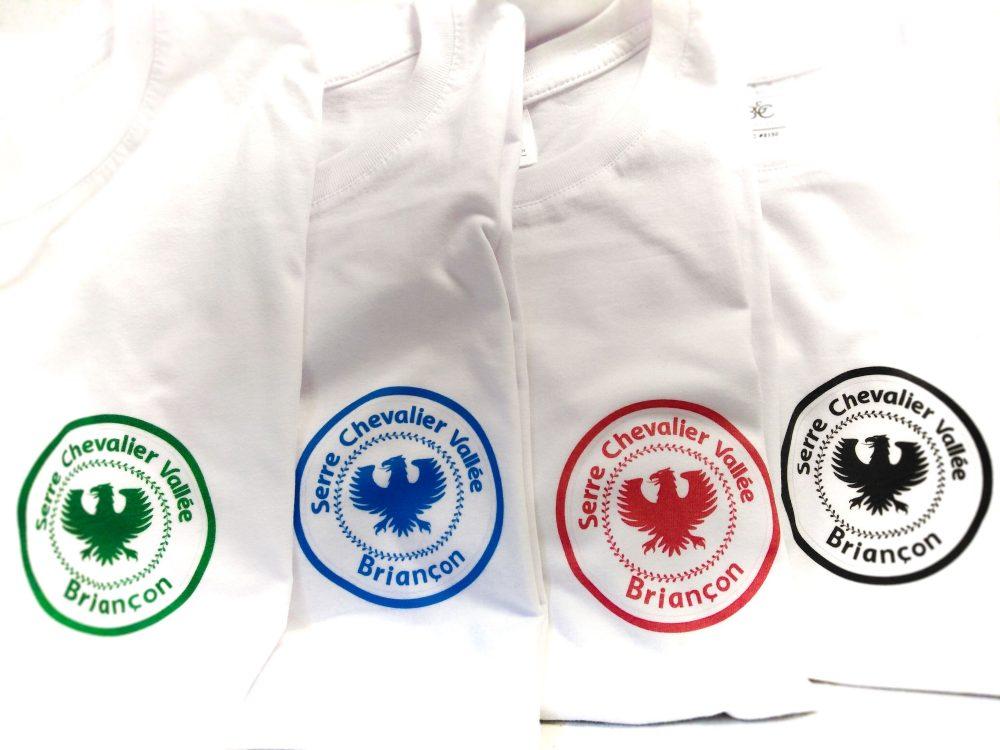 Ensemble de Tshirts Briançon Blanc avec logo Serre Chevalier